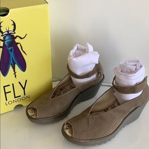 Fly London Khaki Ankle Strap Sandals 41/10